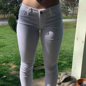 Refuge White Cropped Jeans